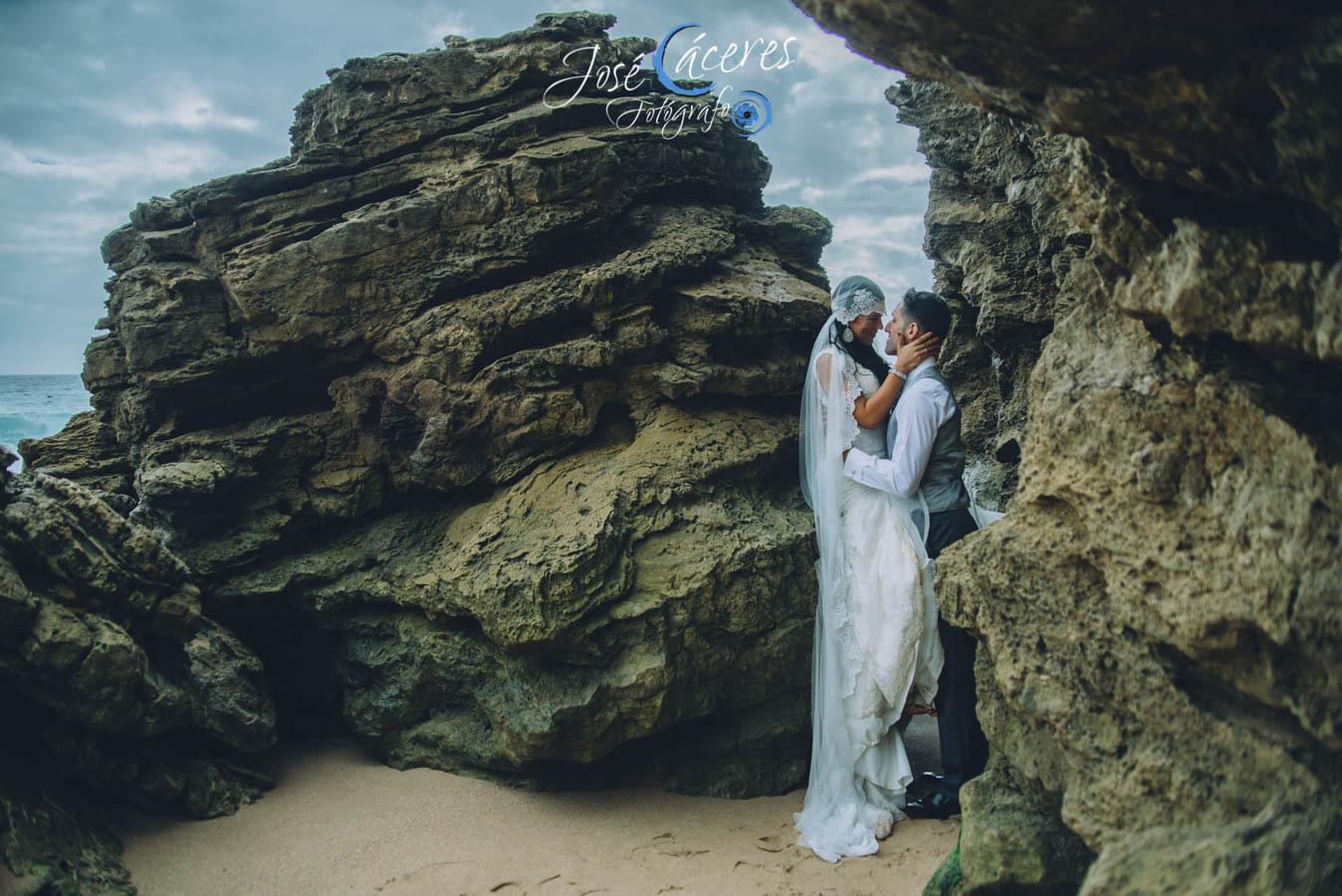 Sesion fotografica de jose caceres fotografia, post boda leticia y jose luis, playas-23