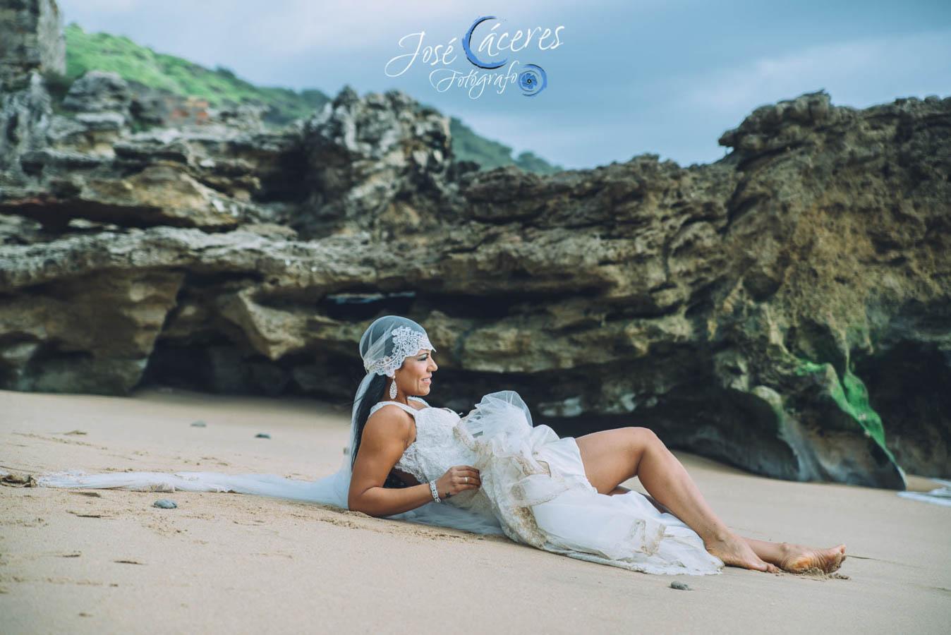 Sesion fotografica de jose caceres fotografia, post boda leticia y jose luis, playas-25