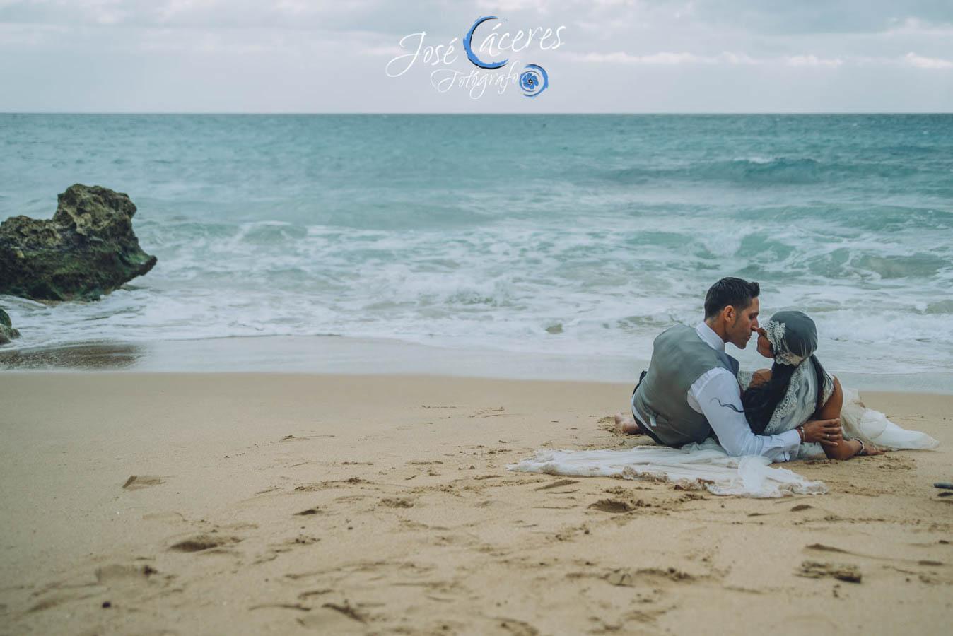 Sesion fotografica de jose caceres fotografia, post boda leticia y jose luis, playas-26