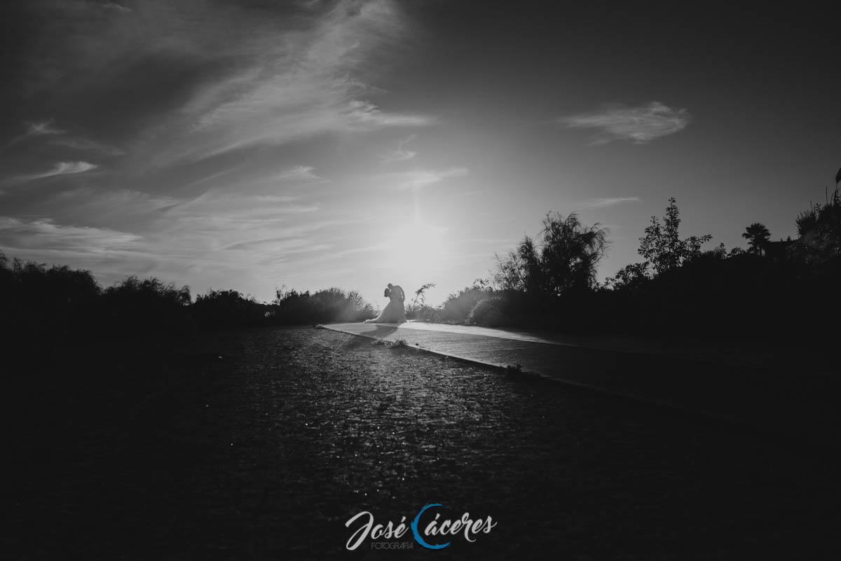 jose-caceres-fotografo-playa-de-la-muralla-reportaje-fotografico-postboda-13