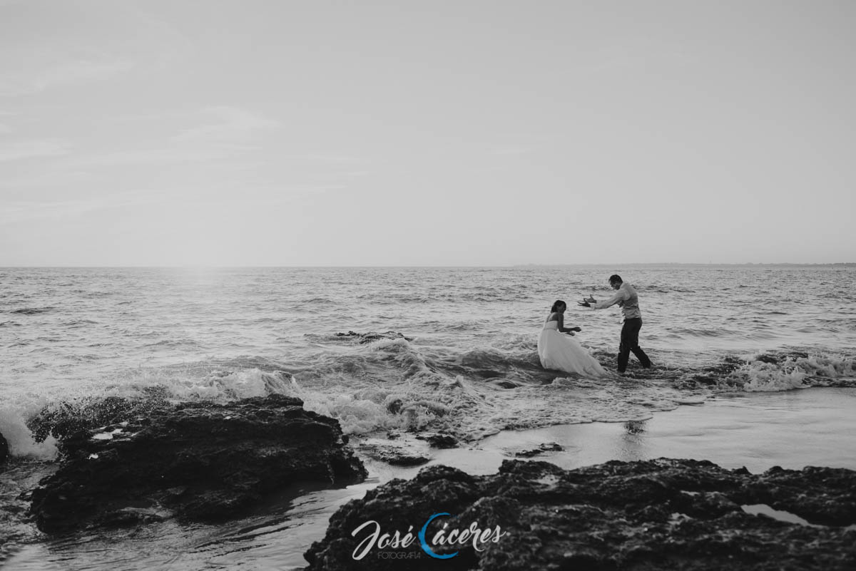 jose-caceres-fotografo-playa-de-la-muralla-reportaje-fotografico-postboda-19