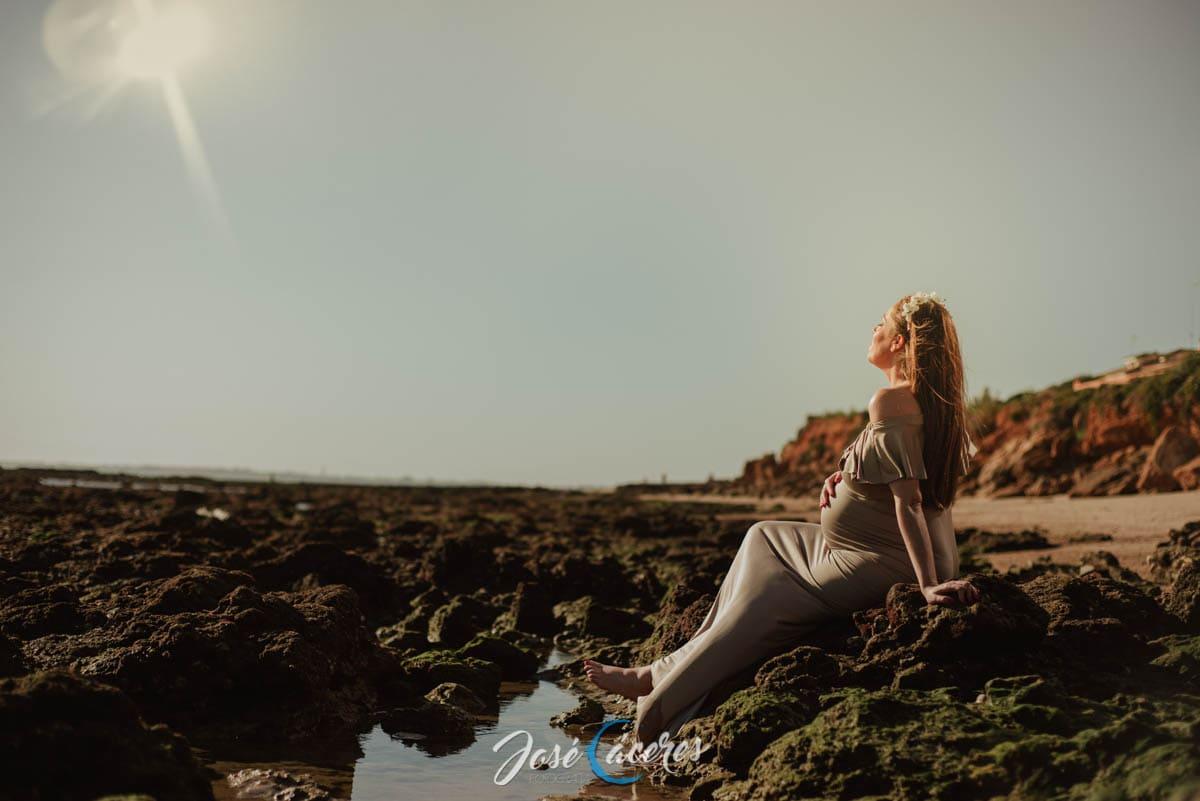 Sesión Fotográfica de embarazo en la playa